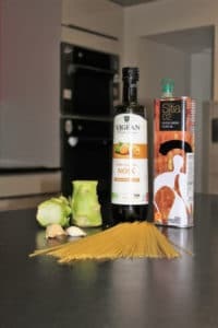 ingredients-spaghetti-ail-brocoli