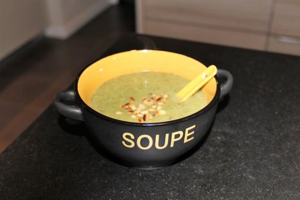 soupe-verts-poireaux-pignons-pins